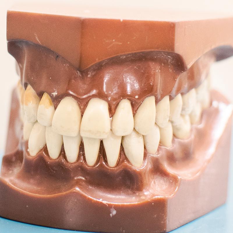 картинки про вставные зубы